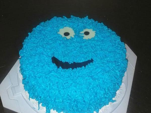 Niebieski tort