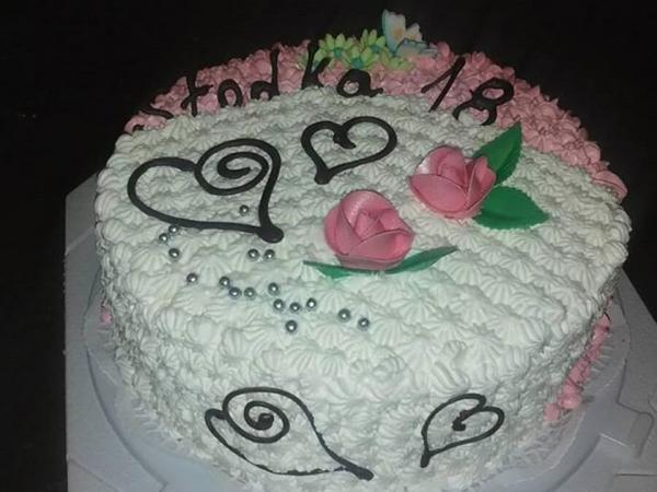 Tort zkwiatami