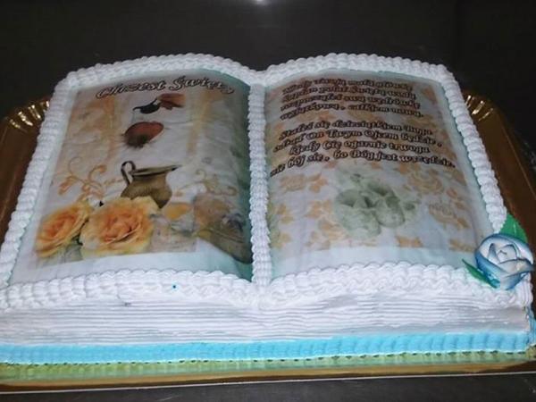 Tort wkształcie książki